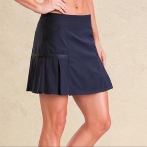 Athleta pleated workout skirt skorts Sz m